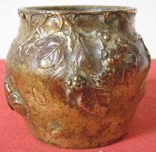 petit vase bronze epoque art nouveau decor pampres raisin gout marionnet
