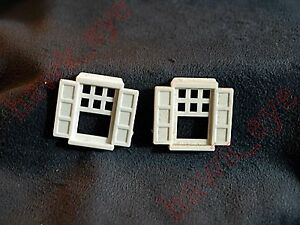 Plasticville Colonial House 2 White Windows O-S Scale