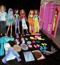 Winx Club Dolls with Magic wardrobe Cards Pixies Clothes + More