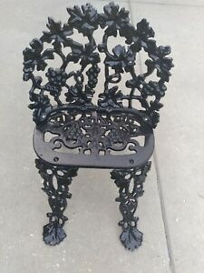 Vintage Cast Iron Victorian Grape And Leaf Garden Bench Great Condition