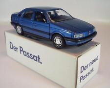 Schabak 1/43 VW Passat metallicblau in Werbebox #1220