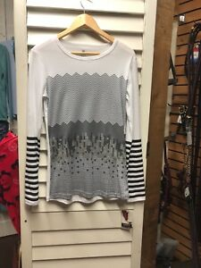 kerrits women's long sleeve T. 100% cotton White with Gray/ Black designs