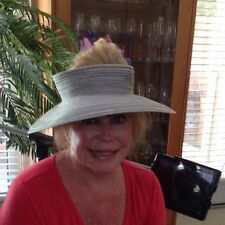 Sun hat With Medium Brim And Hole On Top
