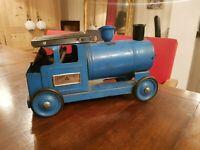 TRI ANG EXPRESS, ancienne grande locomotive en tôle