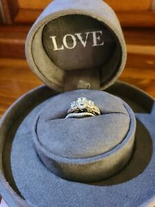 Vera Wang Love Collection 1 CT. T.W. Oval Diamond Three Stone Ring Size 7 1/2