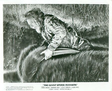 1975 The Giant Spider Invasion Promo Movie Still Steve Brodie Barbare Hale