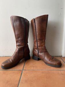 Gorgeous PLANET SHOES EU 39 AU 8 Tan Leather Zip Up Wide Calf Mid Calf Boots