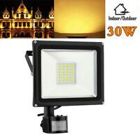 Warmweiβ 30W LED mit PIR Bewegungsmelder Flutlicht Fluter Außen Strahler IP65