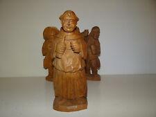 Belle Statuette en bois sculptée Moine buvant avec une bouteille 3