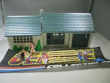 """""""Vintage"""" Bachmann HO Gauge Plasticville RANCH HOUSE WHITE with GREEN ROOF"""