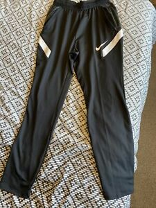 Nike Dry-Fit Boys Size XL Tracksuit Bottoms