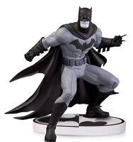 DC COMICS: BATMAN BLACK & WHITE by GREG CAPULLO 2nd EDITION STATUE DC DIRECT