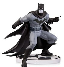 DC COMICS: BATMAN BLACK & WHITE by GREG CAPULLO 2nd EDITION STATUE DC DIRECT