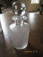 Gros flacon en cristal ( Baccarat?Val St Lambert?autre?) bouchon facette