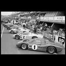 Photo A.004105 FORD GT 40 LE MANS RACING CAR 1966