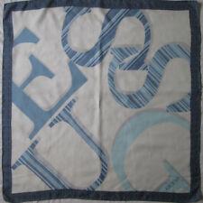 -Superbe Foulard GUESS soie TBEG  vintage 87 x 89 cm