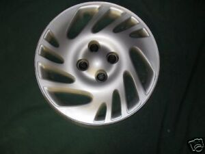 "Hubcap Wheelcover 15"" 1998 1999 Saturn S Series Priority Mail #415"