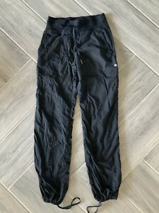 .Women's Lululemon Tights/ Pants/ Joggers Pants Size 4 REG