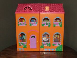 Dora The Explorer MAGICAL WELCOME DOLLHOUSE w/ Accessories Talking House
