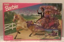 1996 Mattel Barbie SWEET MAGNOLIA HORSE & CARRIAGE Doll Buggy NRFB 14407
