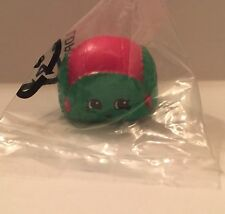 *EXCLUSIVE* Shopkins New In Bag Christmas Edition Flappy Cap Red/green
