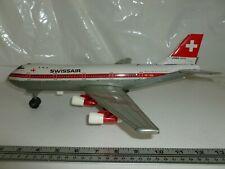 AIRPLANE AIRLINES BOEING 747 B SWISSAIR HB-1GH HB-1GA BATTERY TIN JAPAN ? BROKEN