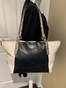 COACH Women's Black and White Leather Bag No E1557 F35891