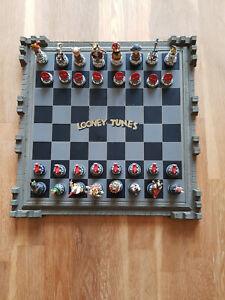 RARE looney tunes chess set  franklin mint