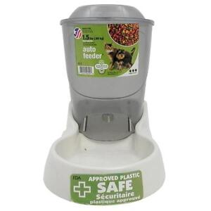 Van Ness Auto Feeder for Pets 1.5 lb Free Shipping