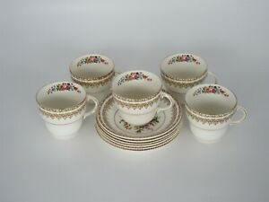 Old STAFFORDSHIRE BARRETT'S 4 x teacups and 6 x saucers