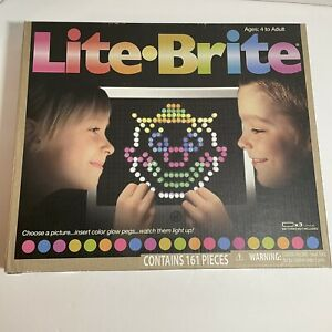 Hasbro Lite-Brite Classic Toy Glow Fun Create Beautiful Pictures with Light Used