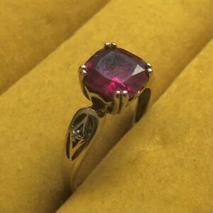 9ct Yellow Gold Simulated Princess Cut Ruby Red Stone Vintage Ring Size P