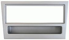 Mascherina con foro ISO colore argento Agila-Corsa>04-Meriva-Vivaro-New Traffic