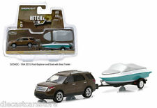 Greenlight 1/64 2013 Ford Explorer With Boat And Trailer Hitch & Tow 32040