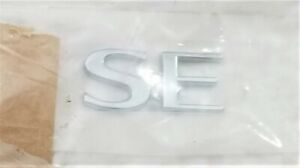 "NOS 1999-2003 SAAB 9 3 / 9 5 SE TRUNK LETTERS EMBLEMS OEM NEW (2 pieces) ""SE"""