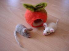 Apfelmäuschen ,2 Mäuschen aus Märchenwolle,Handarbeit, Waldorf,Jahreszeitentisch