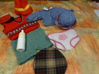 LOT= AVEC BIBERON,,9 piéces garde-robe poupée  ,poupon vintage bella ,gégé etc..