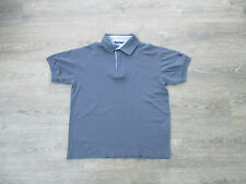**SIZE MEDIUM GREY JERSEY STYLE SHIRT FROM TOMMY HILFIGER, SHORT SLEEVES (11)**