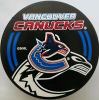 VANCOUVER CANUCKS SHADOW LOGO  VEGUM INGLASCO NHL MADE IN SLOVAKIA HOCKEY PUCK