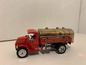 Matchbox Collectibles 1923 Mack AC Water Tanker Fire Truck YFE11