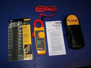 New Fluke 302+ Cat III Digital Clamp Meter Tester AC / DC Volt Amp Multimeter