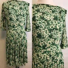 Vintage Dress Green And Cream Floral Dress 1960s Flower Pattern Dress Medium