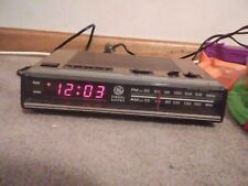 Vintage General Electric Clock Am/Fm Radio Red Led 7-4624A tested works great