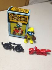 Schleich Super Smurf Figure Peyo Motorcross Yellow Outfit Motorcycle Parts & Box