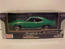 1969 Pontiac GTO Judge Coupe Die-cast Car 1:24 scale Motormax 8 inches Green