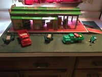 1950's Tin Litho Marx  Service Station FREIGHT TERMINAL STORE DISPLAY CARS TOOLS