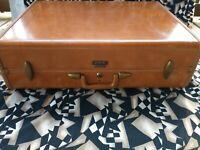 Vintage Shwayder Bros. Samsonite Hard Shell Suitcase Style 4636