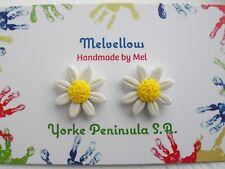 Daisy earrings studs Melvellous polymer clay