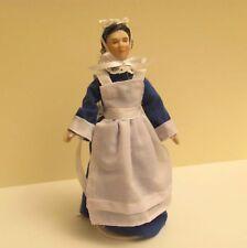 porcelana casa de muñecas criada-camarera 1:12