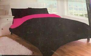 Night Zone 100% Polyester Black/Fuchsia Reversible Single Size Duvet Cover Set